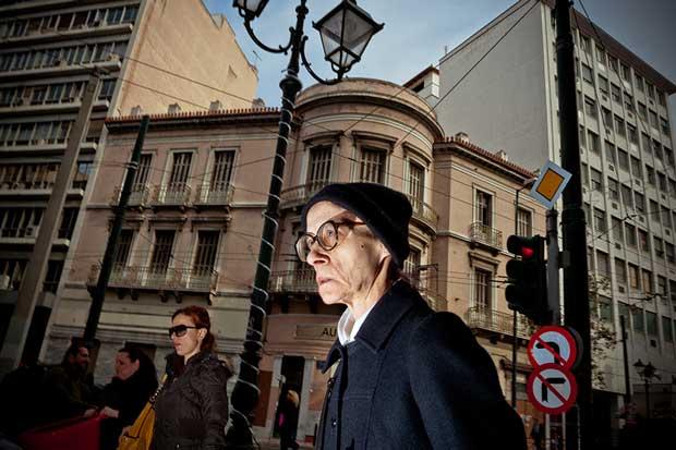 Image from Greek street photographer Christos Kapatos