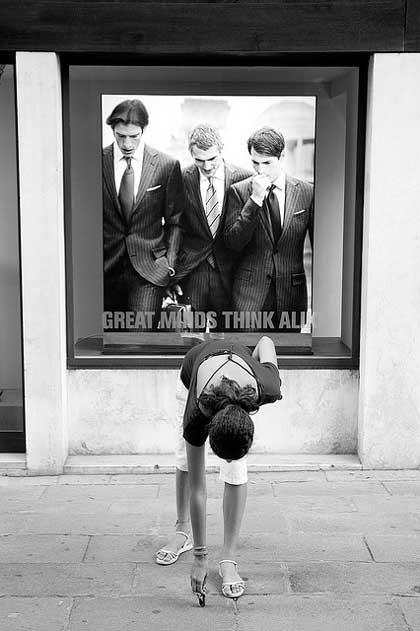Funny street photography image taken by Italian street photographer Umberto Verdoliva