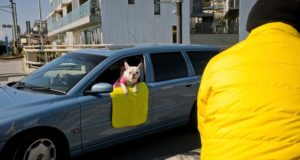 Fun street photography by Japanese street photographer Shin Noguchi