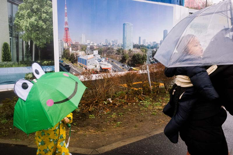 Shin Noguchi is a street photographer with a great sense of humor