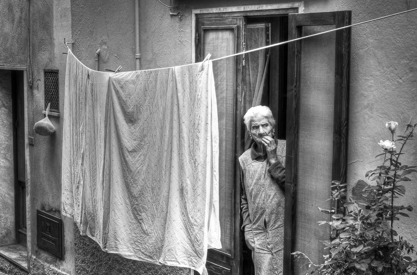 Carmelo Eramo (Italy) - Street Photographer - www.flavors.me/10dicembre