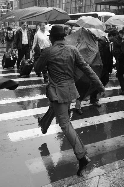 Fabian Schreyer captured a man crossing the street in the rain