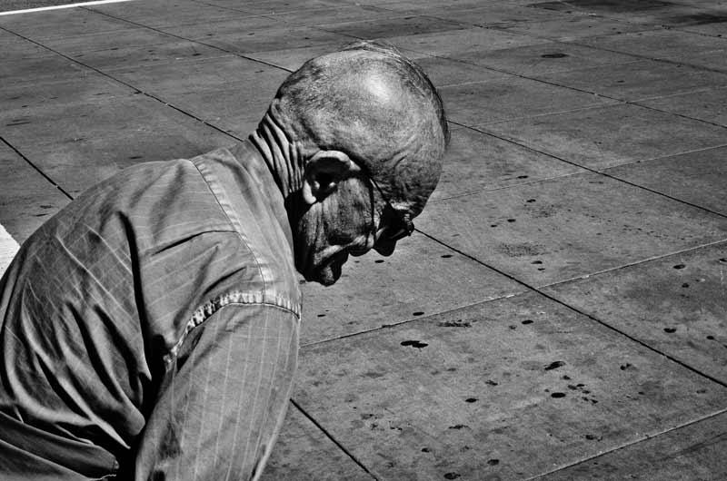An old man on the street captured by photographer Alveraz Ricardez