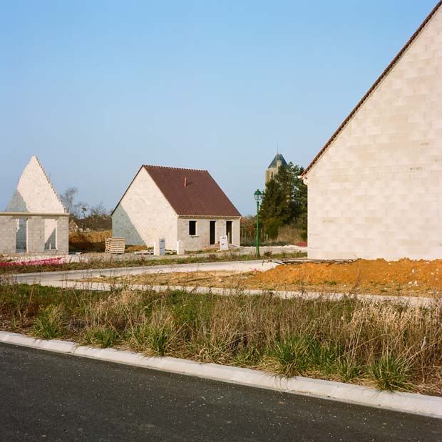 An image of an suburban residencial area taken by Antoine Séguin