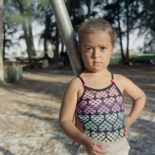 The series Miss Behave from Karen Arango explores the identity of young girls with a hispanic background in the USA