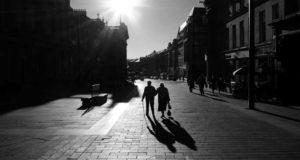 Non-confrotational street photography by Ian Brumpton