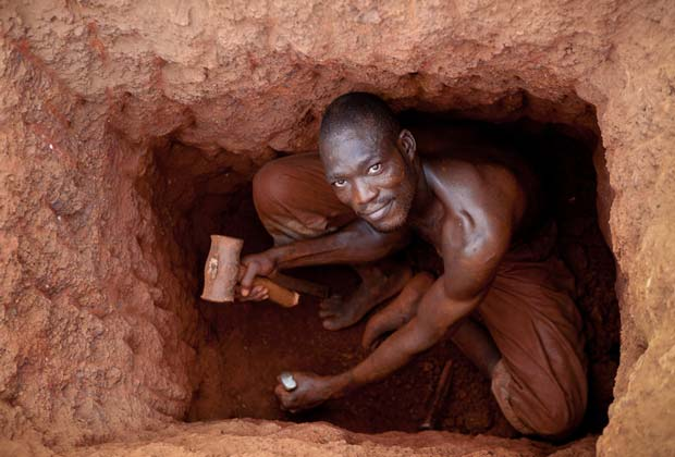 Image from the project Gold Mining from US documentary photographer David Pace