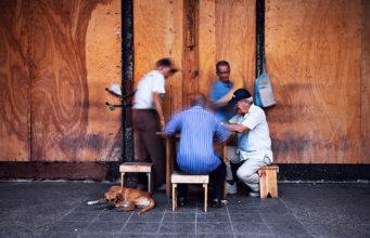 Image taken by Nikolay Mirchev of a group of elderly Cuban men playing domino