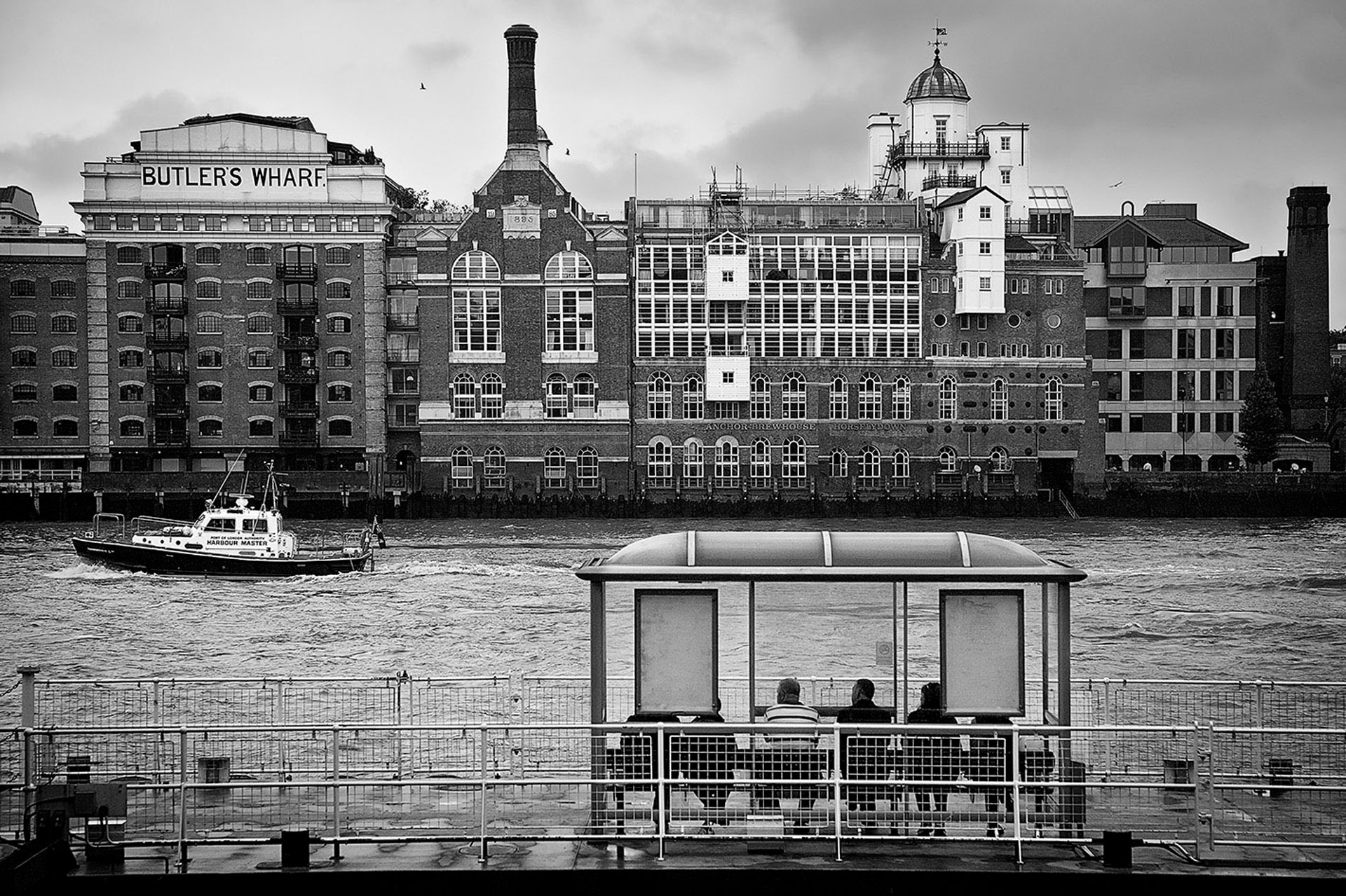 Image taken by Nikolay Mirchev on the shore of the river Thames in London near Tower Bridge